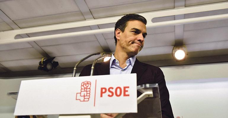 Pedro Sánchez trat nach der Abstimmung vor die Presse. Foto: efe