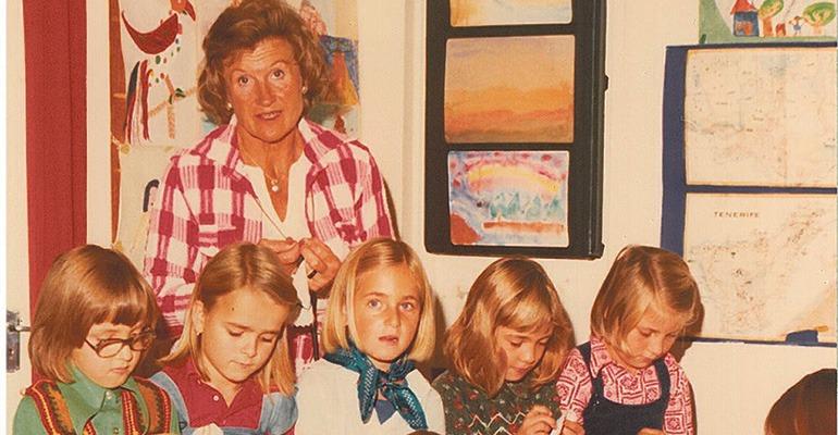 Rosemarie von Levetzow mit Schülern in den 70ern