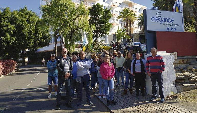 """Seit dem 8. Januar streiken die Angestellten des Dreisternehotels """"Elegance Miramar"""". Sie haben seit mehreren Monaten kein Gehalt bekommen. Einige von ihnen sind seit mehr als 40 Jahren in diesem Hotel angestellt. Foto: Moisés Pérez"""