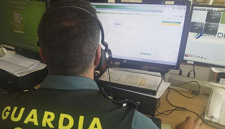 Rund 15.000 Mobilfunk- und 70.000 Festnetz-/Internetanschlüsse gehören spanienweit zur Ausstattung der Guardia Civil und der Nationalpolizei. Foto: EFE