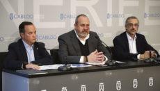Enrique Arriaga (Mitte) erläuterte die Vorhaben seines Ressorts. Foto: Cabildo de Tenerife