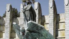 Ob das Franco-Denkmal abgerissen wird, ist weiter unklar. Foto: EFE