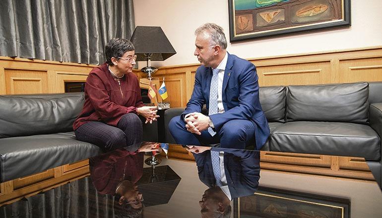 Kanarenpräsident Torres und Außenministerin Arancha González Laya in Las Palmas Foto: GOBCAN