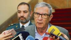 Daniel Vázquez (li) mit dem Regierungsdelegierten León Foto: EFE