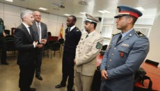 Innenminister Grande-Marlaska (li) im Koordinationszentrum der Guardia Civil Foto: EFE