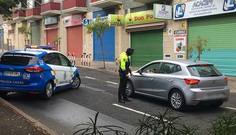 Die Verkehrspatrouille kontrolliert intensiv die Einhaltung des Ausgangsverbots.