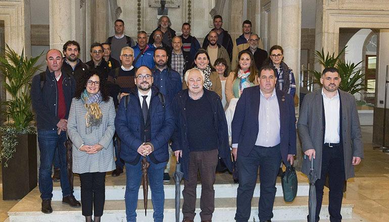 Gruppenbild der Mitglieder der kanarischen Delegation, die nach Pontevedra reiste, und Gastgeber Foto: Gobierno de Canarias