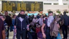 Reisende am Flughafen von Lanzarote am 20. März. Foto: EFE