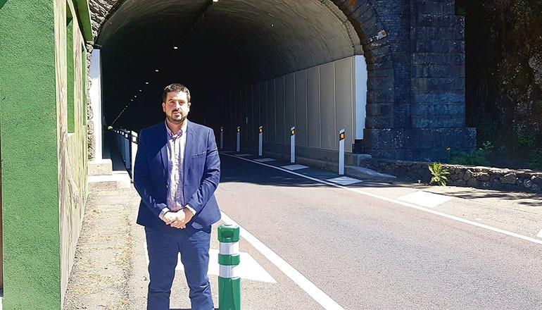 Borja Perdomo erklärte, dass die erfreuliche Nachricht der Entscheidung der politischen und technischen Entscheidungsträger zu verdanken sei, die eine einspurige Verkehrsführung beschlossen. Foto: Cabildo de La palma