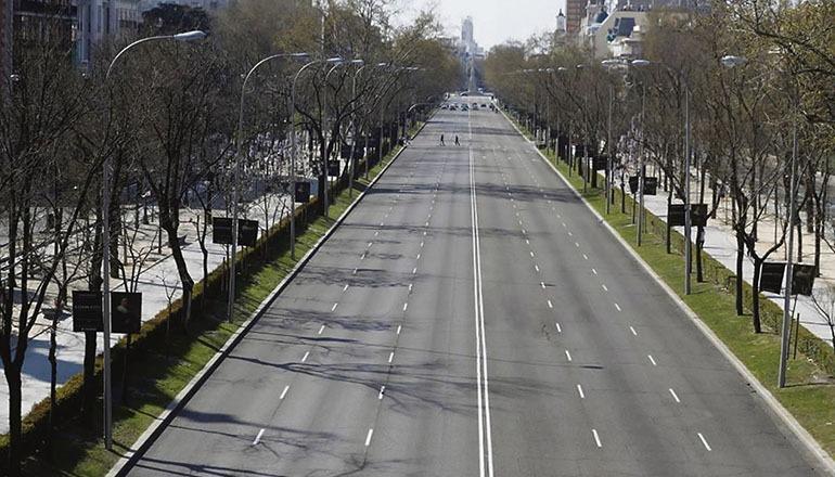 Verwaist: Der Paseo de La Castellana in Madrid am 16. März. Foto: EFE