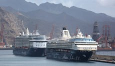 """Die """"Mein Schiff 3"""" und """"Mein Schiff Herz"""" im Hafen von Santa Cruz auf Teneriffa. Foto: EFE"""