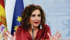 Wirtschaftsministerin María Jesús Montero bezeichnete die Verabschiedung des Gesetzes als einen wichtigen Schritt, um das spanische Steuersystem der wirtschaftlichen Realität des 21. Jahrhunderts anzupassen. Foto: EFE