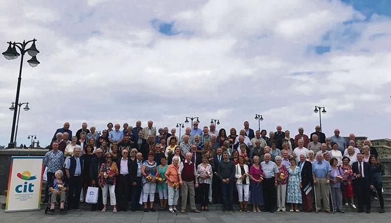 Gruppenbild auf der Plaza de Europa in Puerto de la Cruz Foto: CABTF