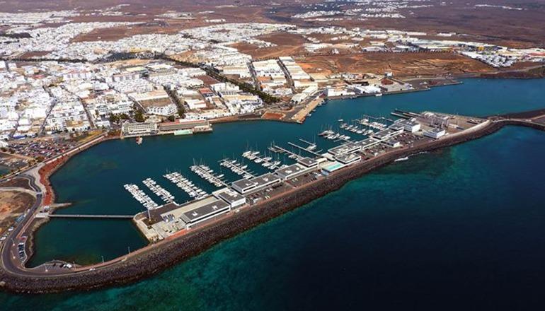 Luftbild der Inselhauptstadt Arrecife auf Lanzarote Foto: Fotos Aereas de Canarias