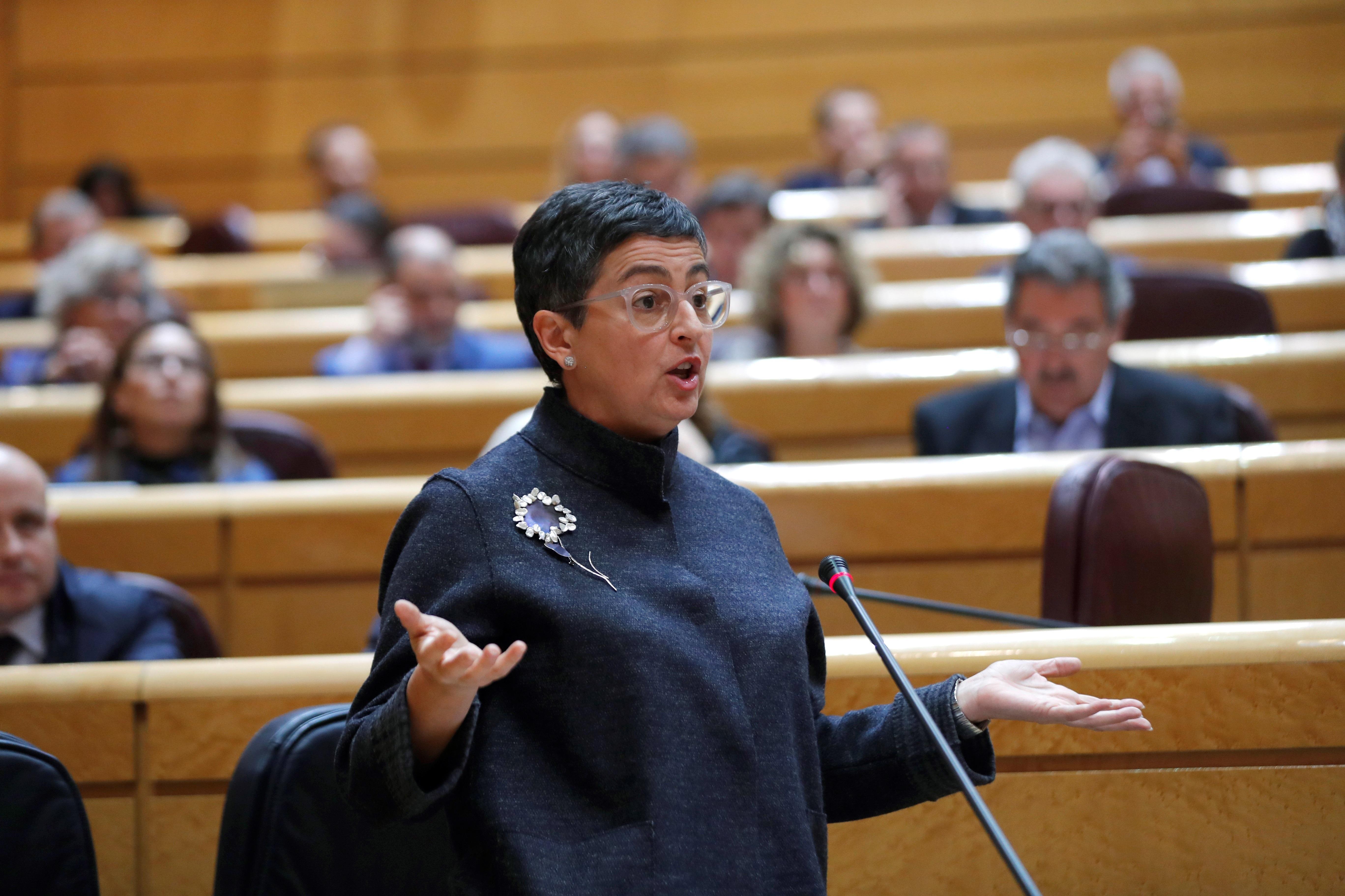 La ministra de Asuntos Exteriores, Arancha González Laya (c), interviene en la sesión de control al Gobierno en el pleno del Senado, este martes en Madrid. EFE/ Emilio Naranjo