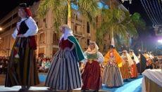 """Zu den """"Fiestas de Mayo"""" in Santa Cruz gehört auch traditionelle Folklore. Foto: Ayuntamiento de Santa Cruz de Tenerife"""