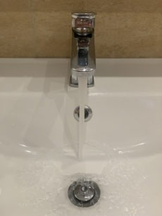 Die Bevölkerung der betroffenen Gebiete ist aufgerufen, sparsam mit dem Trinkwasser umzugehen. Foto: WB
