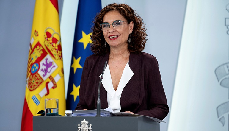 Regierungssprecherin und Finanzministerin María Jesús Montero während einer Pressekonferenz am vergangenen Dienstag Foto: EFE