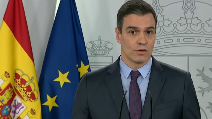 Ministerpräsident Pedro Sánchez bei der Pressekonferenz am 4. April. Foto: EFE
