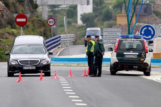Eine Straßenkontrolle in Algeciras Foto: EFE