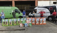 Die Futterspende stiftete der Tierfutter-Händler Arion Dorialzedog. Foto: Ayuntamiento de Las Palmas