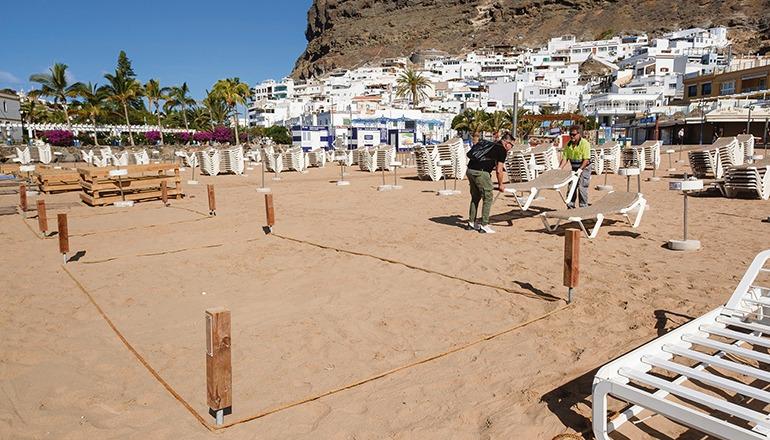 Parzellierungen am Strand von Mogán sollen eine sichere Nutzung zu ermöglichen. Foto: EFE