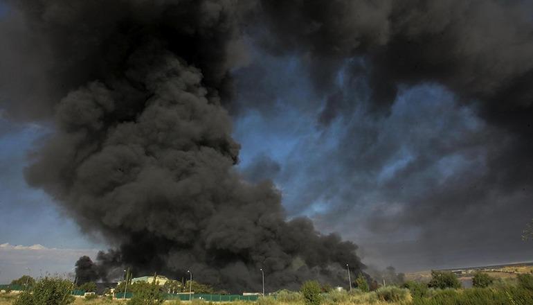 Im August 2016 brannte die Mülldeponie Chiloeches in Guadalajara. Foto: EFE