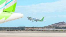 Für Festlandflüge setzt Binter seine neuen Embraer E195-E2-Flugzeuge ein. Foto: Binter