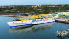 """Die neue Fähre """"Bajamar Express"""" im Hafen in Australien, wo derzeit die Testfahrten stattfinden. Foto: Fed.Olsen"""