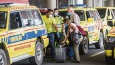 Die Passagiere des Fluges von Madrid nach Lanzarote am 29. Mai wurden bei ihrer Ankunft von einem großen Sicherheitsaufgebot überrascht. Für alle wurde eine zweiwöchige Quarantäne angeordnet. Foto: EFE