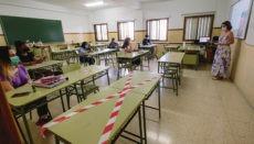 An einigen Schulen werden Schüler der Sekundarstufe, die besondere Unterstützung benötigen, schon seit Anfang Juni wieder in kleinen Gruppen unterrichtet. Foto: efe