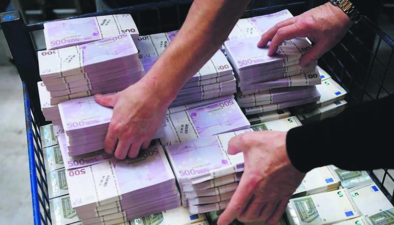 Banknoten sind nach Angaben des Geldtransportunternehmens Loomis kostengünstiger als Debitkarten. Foto: EFE