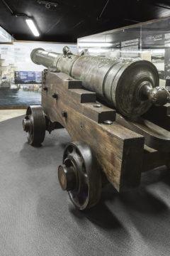 """Der Besuch der unterird Die legendäre Kanone """"El Tigre"""" Fotos: Cabildo de Tenerife"""