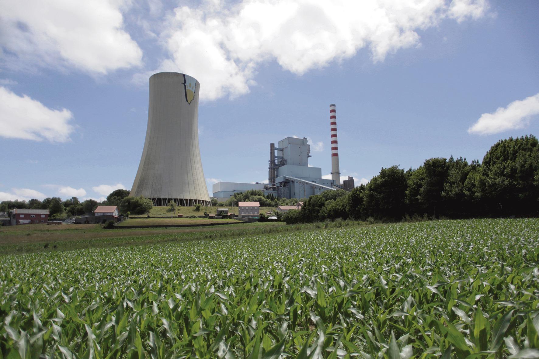 Das Kohlekraftwerk Meirama in Cerceda (A Coruña) ist eines von sieben, die am 30. Juni den Betrieb eingestellt haben. Foto: efe