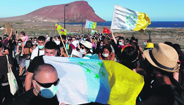 Etwa 1.000 Personen demonstrierten am 20. Juni gegen das Projekt. Foto: EFE