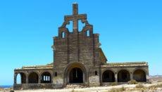 Besonders eindrucksvoll ist die Kirche. Viel mehr als diese Ruine gab es allerdings nie, denn die Stadt und ihre Gebäude wurden niemals fertiggesellt. Foto: PIXABAY