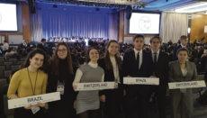 Die Schüler vertraten in New York die Interessen ganz unterschiedlicher Länder. Foto: dst