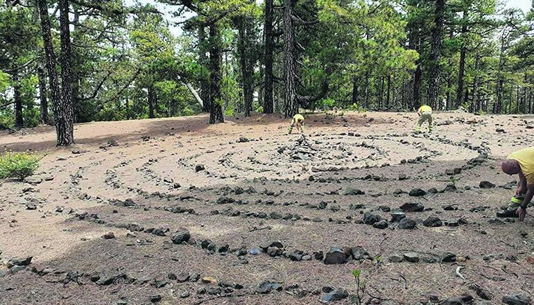 """Das Umweltamt von La Palma bittet darum, auf """"Kunstwerke"""" in der Natur zu verzichten. Foto: cabildo la Palma"""