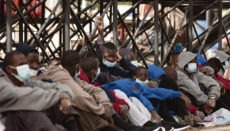 Am 28. August kamen auf Gran Canaria acht Boote mit insgesamt rund 100 Migranten, darunter zahlreiche Minderjährige, an. Foto: EFE