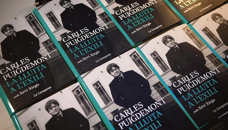 Am 10. September wurde in Barcelona der zweite Teil der Memoiren von Carles Puigdemont vorgestellt, die er zusammen mit dem Journalisten Xevi Xirgo geschrieben hat. Puigdemont war bei der Präsentation online aus Waterloo (Belgien) zugeschaltet. Foto: efe