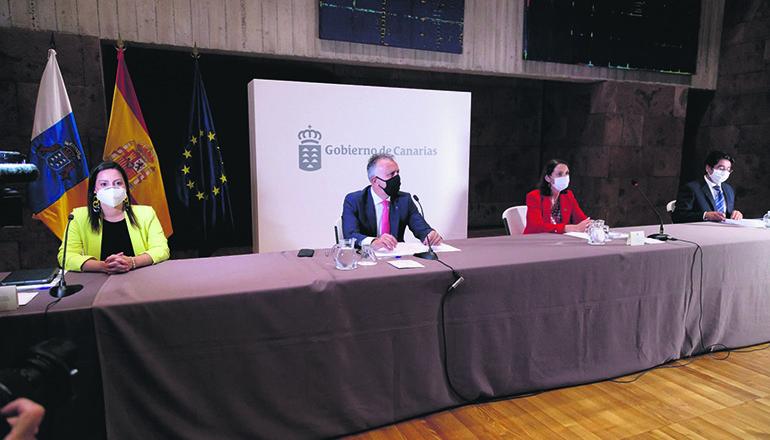 Tourismusministerin Reyes Maroto sprach mit dem kanarischen Präsidenten Ángel Víctor Torres im Hinblick auf die bevorstehende Wintersaison über Perspektiven für den Tourismus. Foto: Gobierno de Canarias