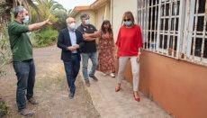 Cabildo-Präsident Antonio Morales (2. v.l.) besuchte zusammen mit dem Präsidenten von GREFA die Einrichtung, und ließ sich die Pläne erklären. Foto: Cabildo de Gran Canaria
