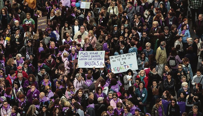 Bei Protesten der feministischen Bewegung am Weltfrauentag wurden etliche Ordnungswidrigkeiten geahndet – ob zu Recht, entscheiden nun die Gerichte. Foto: efe