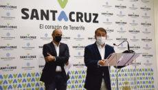 Mit Bedauern teilten Bürgermeister Bermúdez (r.) und Stadtrat Alfonso Cabello mit, dass es nächstes Jahr keinen Karneval geben wird.