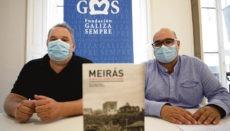 """Carlos Babío (li) und Rubén Cela, Präsident der Stiftung Galiza Sempre, sind die Autoren des Enthüllungsbuches """"Meirás. Un pazo, un caudillo, un expolio"""" (Meirás. Ein Herrensitz, ein Führer, ein Betrug). Sie gaben zu dem Berufungsantrag der Familie Franco eine Pressekonferenz. Foto: EFE"""