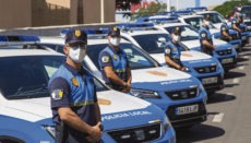 Die Beamten der Lokalpolizei von Adeje präsentieren ihre neuen Streifenwagen. Foto: Ayuntamiento Adeje