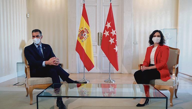 Weit voneinander entfernt: Regierungschef Pedro Sánchez und Madrids Regionalpräsidentin Isabel Díaz Ayuso Foto: efe