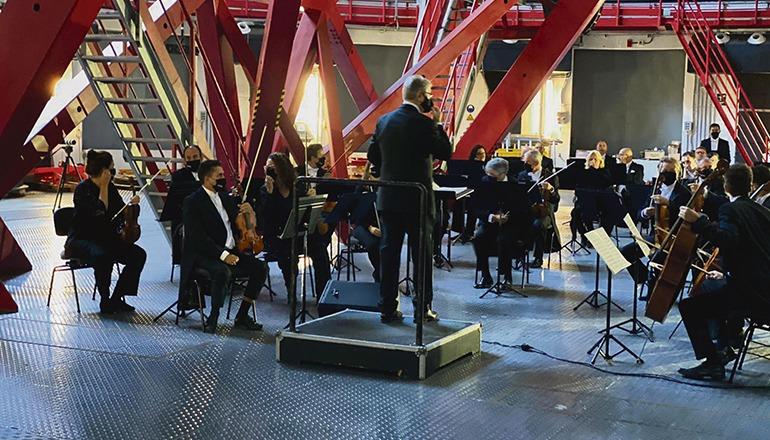 Das Symphonieorchester Teneriffa (OST) spielte in der Kuppel des Grantecan, das im Observatorium auf dem Roque de los Muchachos auf La Palma steht. Foto:Cabildo de La PALMA