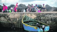Jugendliche Immigranten nach der Ankunft auf Lanzarote (Archivbild) Foto: EFE
