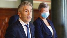 Innenminister Grande-Marlaska und EU-Kommissarin Johansson bei ihrem Besuch auf Gran Canaria. Foto: EFE Foto: EFE